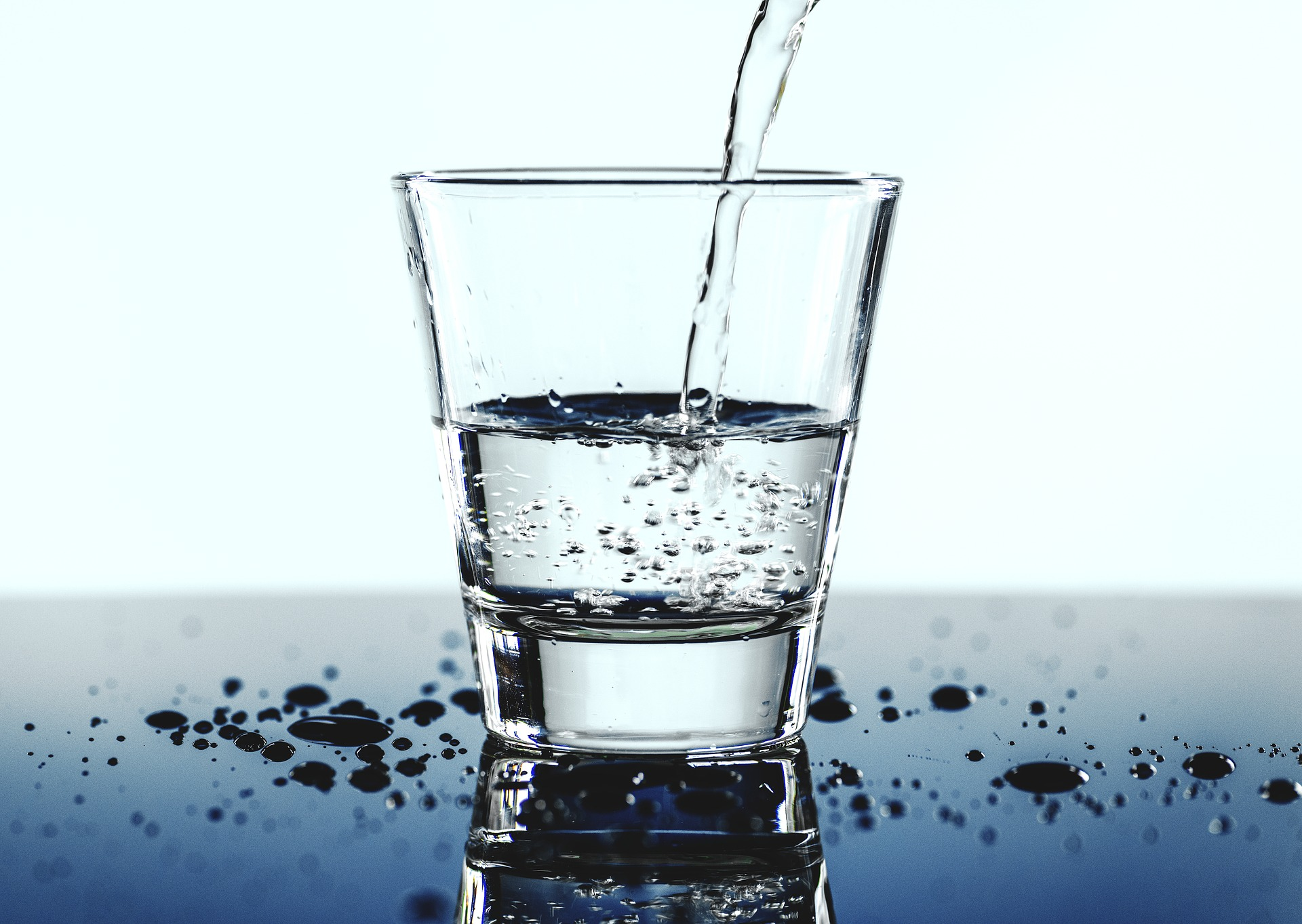 the-anti-aging-benefits-of-water-dr-hal-stewart-dentist-blog